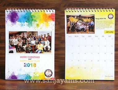 Kalender Meja Design Splash Color
