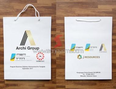 Paper Bag PT Archi, Ukuran 30 x 40 cm