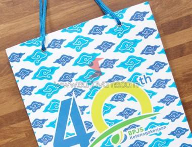 Paper bag motif batik mega mendung