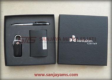 Gift Set 320 (Terdapat USB)