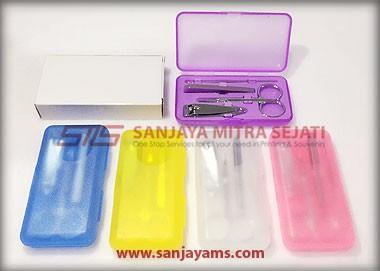 Manicure Set (M05)
