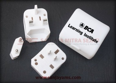 Travel Adaptor (MT04)