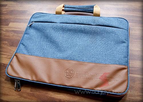 Tas laptop dengan cetakan emboss logo perusahaan