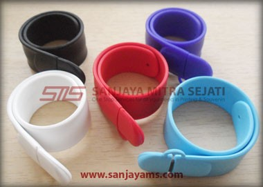 USB Gelang slap on (UR05)